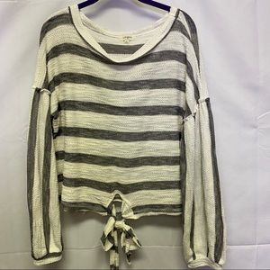 Umgee grey and white puff sleeve tie top